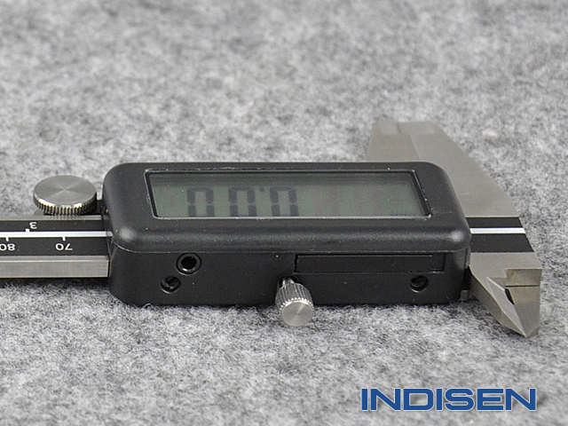 0_04Electronic caliper with large display 150MM INDISEN, typ 1216